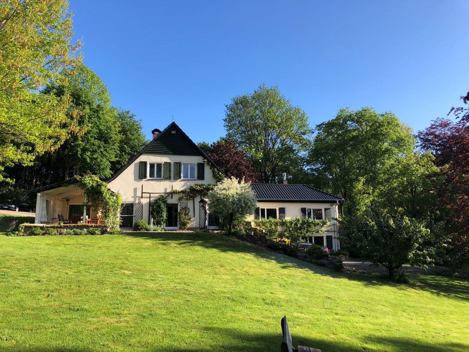 Forsthaus 1 im Sommer